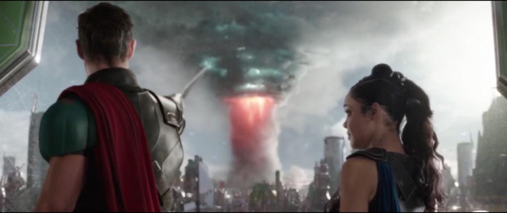 Figure 1: Cartographie, Taika Waititi, <em>Thor. Ragnarok</em> (2017), 01:25:38 © Walt Disney Studios. Thor indique à Valkyrie l'issue par laquelle ils pourront fuir la planète Sakaar, avant le début de la scène de poursuite.