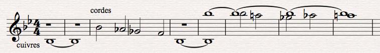 Figure11: Harry Gregson-Williams, <em>Total Recall</em>, scène de poursuite en voiture, <em>stingers</em> aux cuivres (sur <em>sib</em> grave) et deuxième motif de descente aux cordes. Transcription personnelle à partir du film (00:54:07-00:54:23).