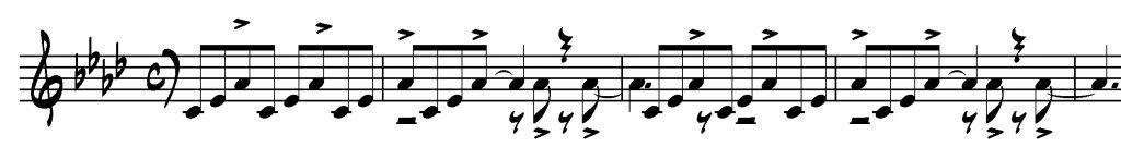 Figure 3 : Joe Garland et Andy Razaf, <em>In the Mood</em>, mes. 9-10, noire = 155 (« Swing. Not too fast! »), retranscription de partition d'Alan Glasscock. Le saxophone alto a les hampes vers le haut, la trompette vers le bas.