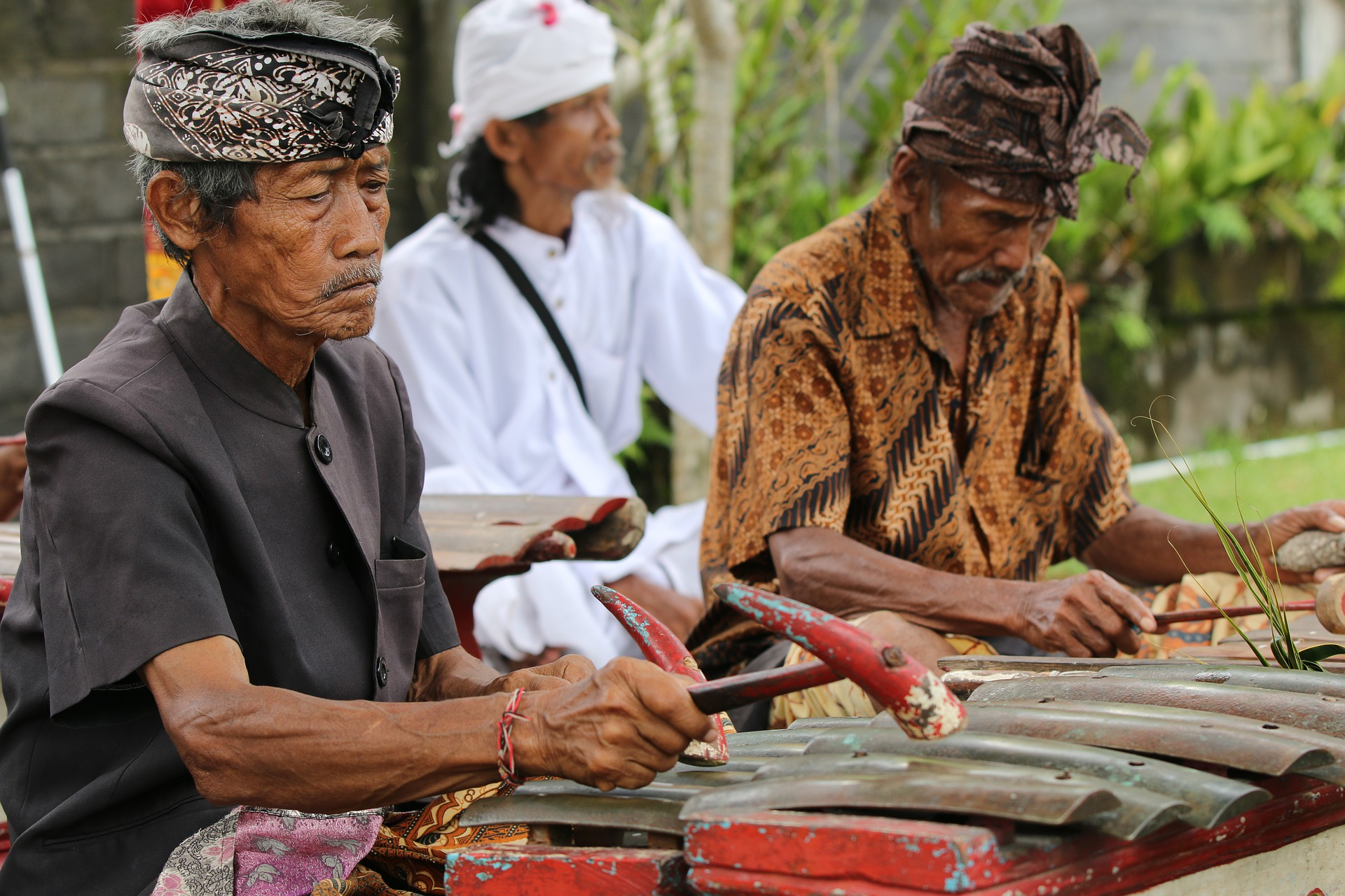 Crédits : Image : https://pixabay.com/fr/photos/gamelan-bali-tradition-indon%C3%A9sie-4319964/.